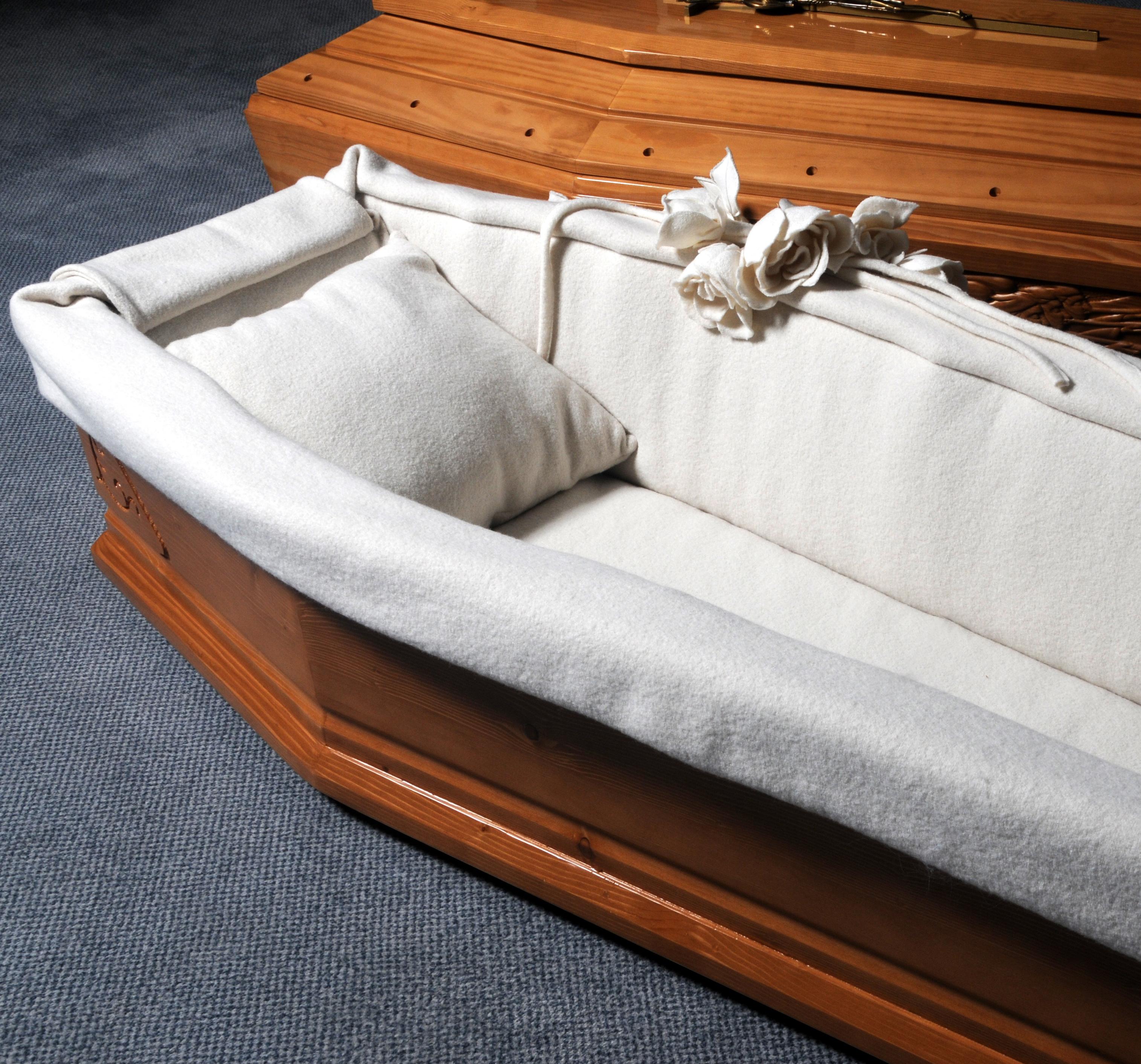 Les arts funéraires, capitons et cercueils
